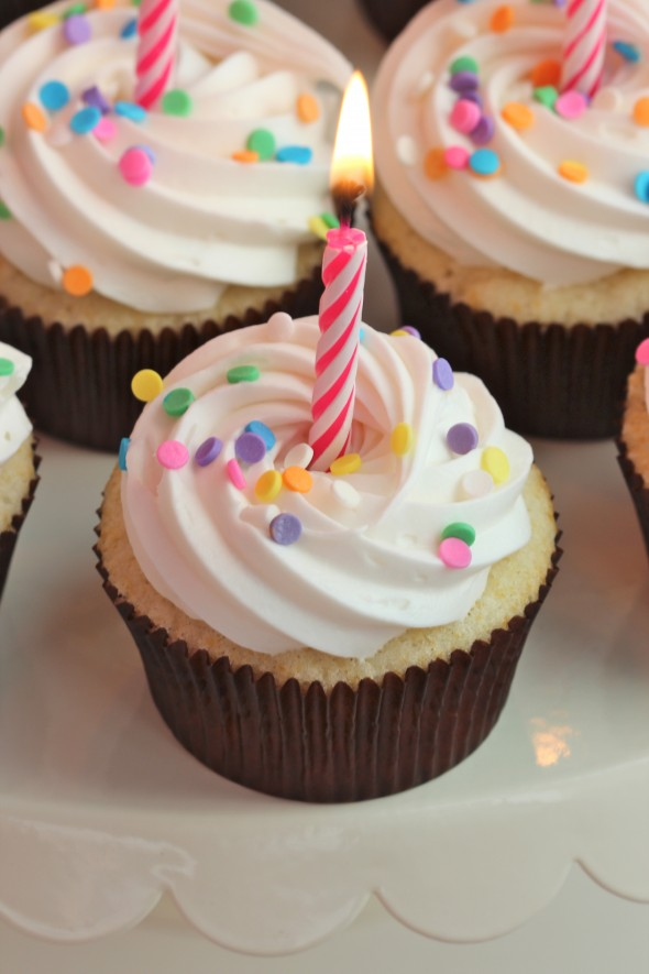simple birthday cupcakes