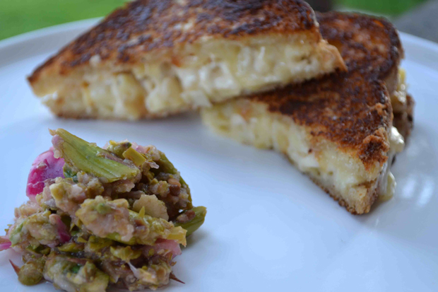 grilled mac n cheese wtih asparagus relish