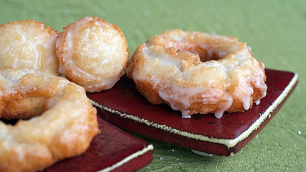 Sour cream doughnut-620