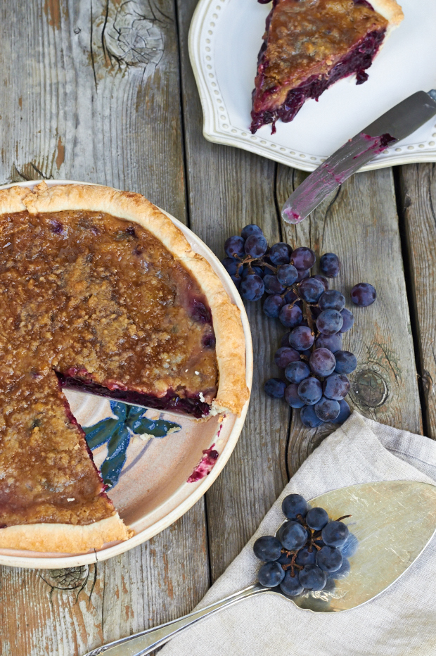 concord grape pie - the messy baker