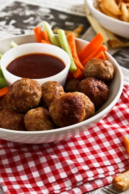 Buffalo chicken meatballs | Grey Cup Roundup Food Bloggersof Canada