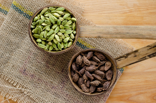 The Spice Box: Cardamom | Food Bloggers of Canada
