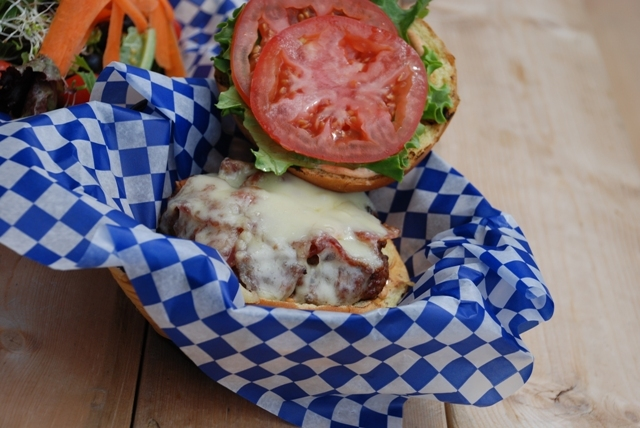 Restaurant Roundup: Waterloo's Mouthwatering Burgers | Food Bloggers of Canada