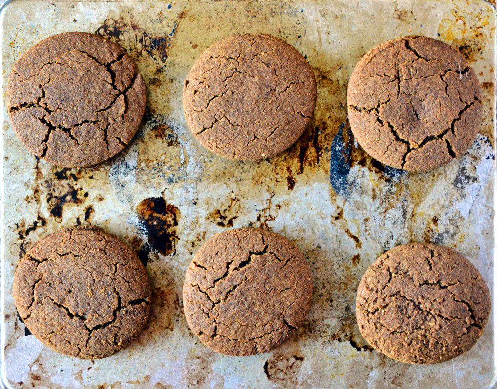 Allergen-friendly gingerbread cookies
