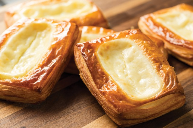 La Boulange Cheese Danish