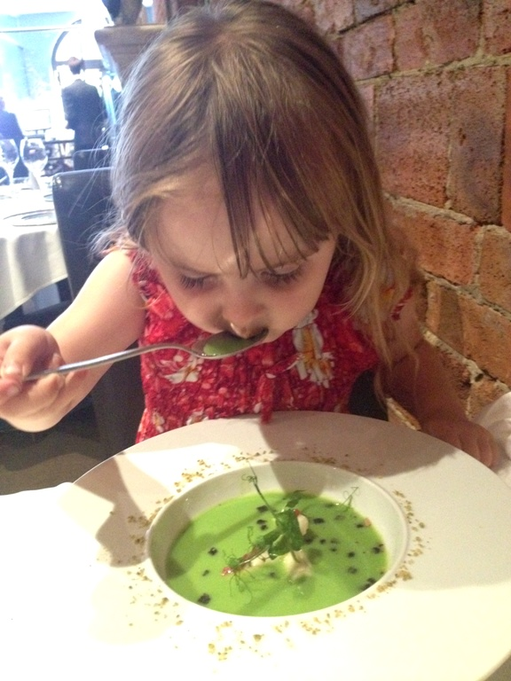 Tips for Eating Out While Travelling With Kids | Food Bloggers of Canada