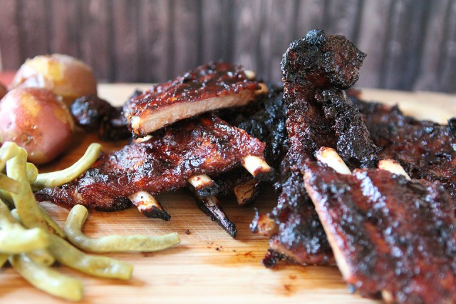 Outdoor Living: BBQ'd ribs | Food Bloggers of Canada