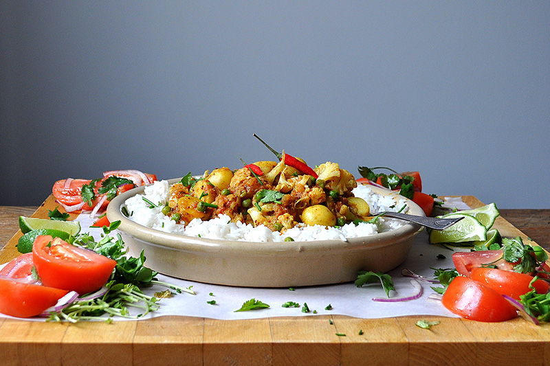 20 Minute Meals Vegetarian Cauliflower Potato Curry | Food Bloggers of Canada
