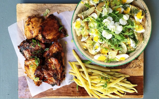 20 Minute Chicken Thighs and New Potato Salad | Food Bloggers of Canada