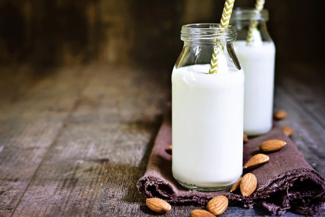 A Guide To Dairy Free Milks | Food Bloggers of Canada