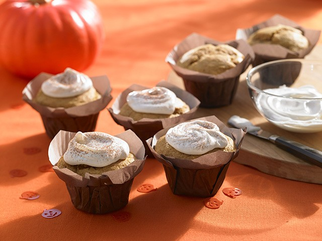 Pumpkin Spice Muffins with Cream Cheese Frosting | Food Bloggers of Canada