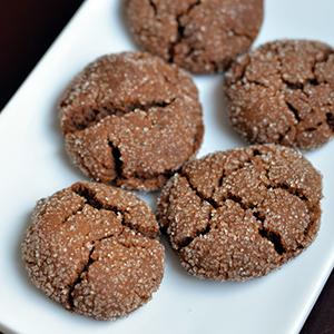 Blackstrap Gingerbread Crinkle Cookies | Tastespace