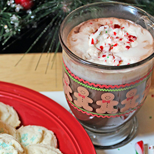 Candy Cane Hot Chocolate | 365 Days of Easy Recipes