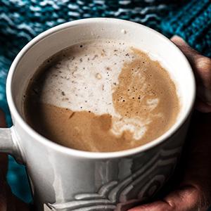 Maple Cardamom Oatmeal Latte | The Pretend Baker