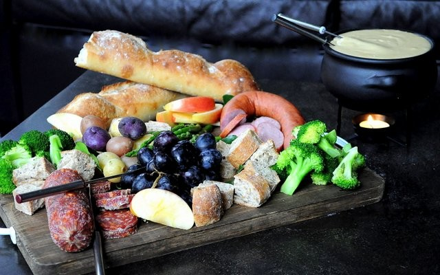 On Board in 20: Cheese Fondu   Food Bloggers of Canada