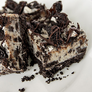 No Bake Oreo Cheesecake Bars | Chocolates and Chai