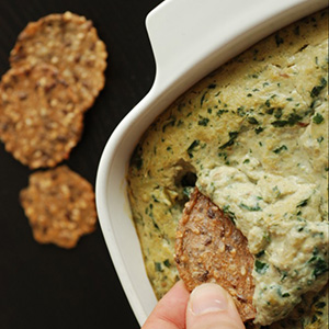 Warm Spinach Artichoke Dip | The Taste Space