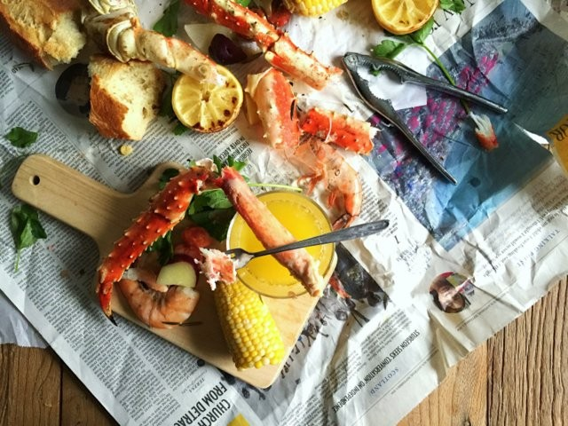 On Board in 20: New Year's Eve Seafood Boil | Food Bloggers of Canada