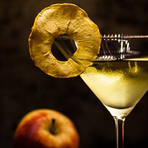 Polish Apple Pie Cocktails | Eyes Bigger Than My Stomach