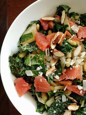 Kale Fennel Salad with Grapefruit Vinaigrette | The Taste Space