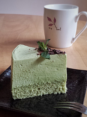 Matcha (Green Tea) Mousse Cake | Tiny Sweet Tooth