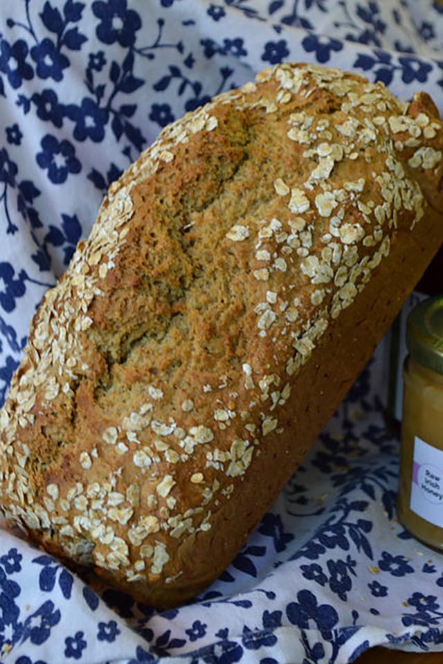 Traditional Irish Brown Bread | Food Bloggers of Canada