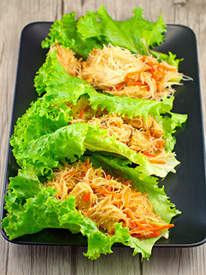 Easy Sriracha Chicken Noodle Lettuce Wraps | Food Meanderings
