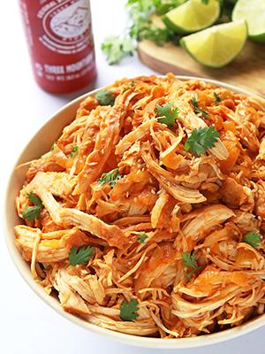 5 Ingredient Slow Cooker Sriracha Chicken | Leelalicious