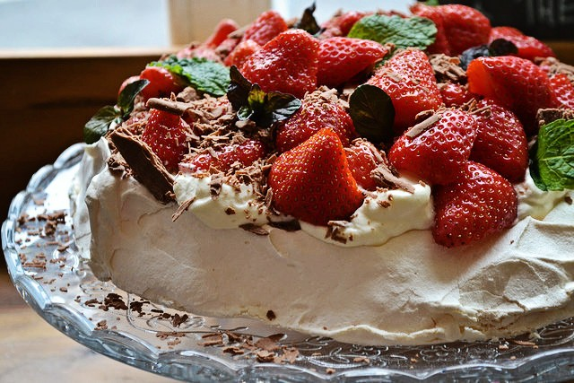Celebrating Strawberry Season with Irish Pavlova | Food Bloggers of canada
