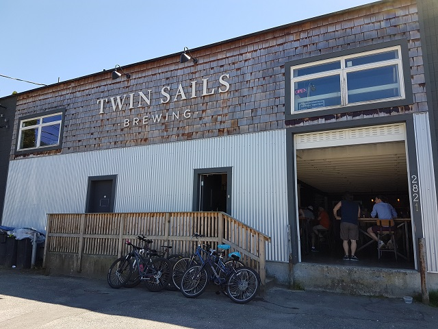 Canada's Craft Beer: Twin Sails Brewing | Food Bloggers of Canada