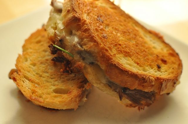 Canadian Cheeses For The Perfect Grilled Cheese | Food Bloggers of Canada
