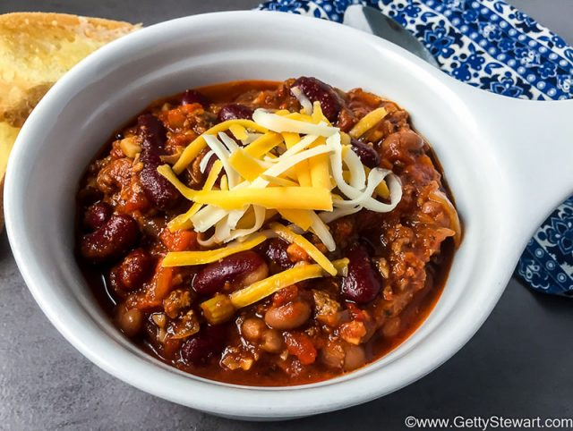 Chili Con Carne: Classic Beef and Bean Chili