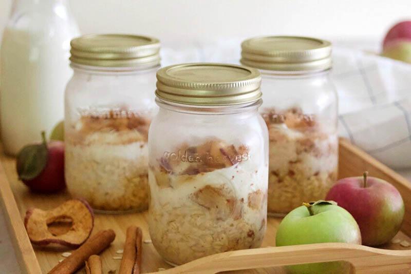 Easy Apple Cinnamon Overnight Oats