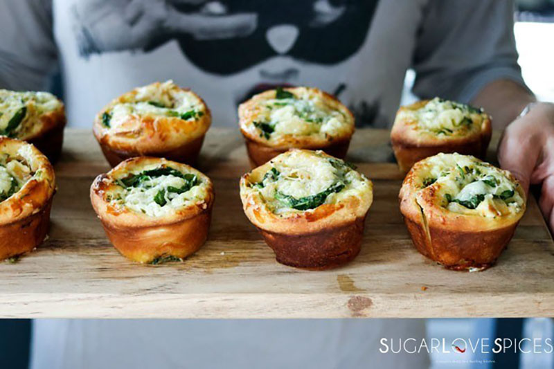 Spinach and Caramelized Onion Breakfast Brioche | SugarLoveSpices