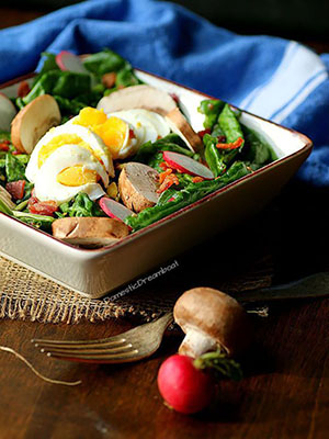 Warm Spinach Salad with Bacon, Eggs and Mushrooms (GF) | Domestic Dreamboat