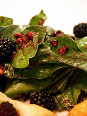 Spinach Salad With Blackberry Dressing | CulturEatz