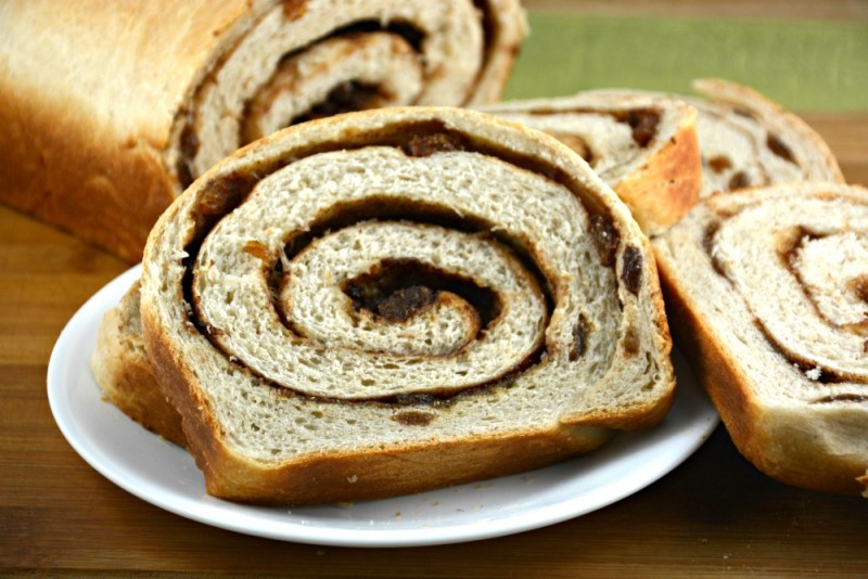 Swirled Cinnamon Raisin Bread | Kitchen Divas