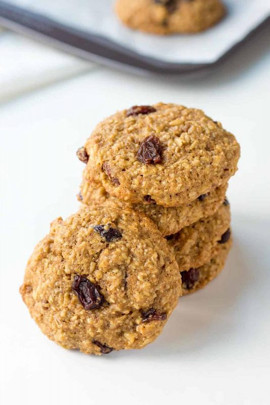 healthy oatmeal raisin cookies | leelalicious