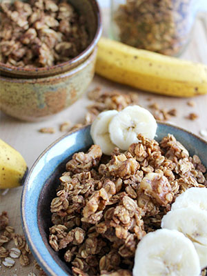 Banana Bread Granola | Insightful Bite