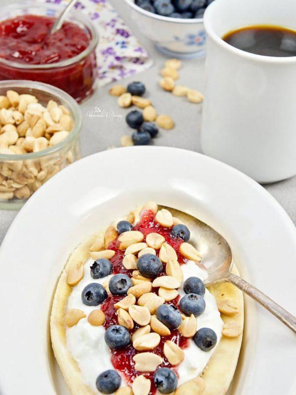 Healthy Banana Splits For Breakfast | Homemade and Yummy