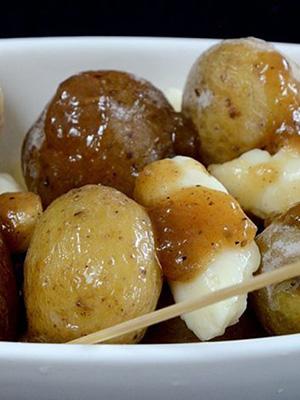 Nugget Potato Poutine | The Wine Lover's Kitchen