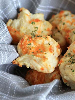 Garlic Cheddar Biscuits   The Olive Blogger