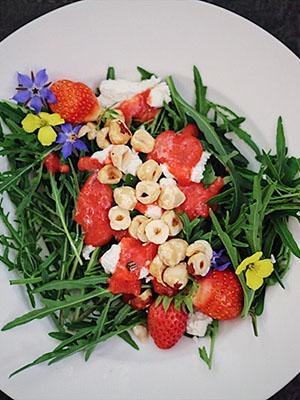Arugula Salada With Strawberry Vinaigrette | West Coast Kitchen + Garden