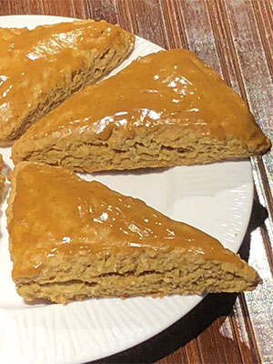 Pumpkin Scones with Pumpkin Spice Glaze | Mama's Secret Recipes