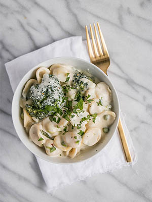 One Pot Broccoli and 3 Cheese Pasta | My Kitchen Love