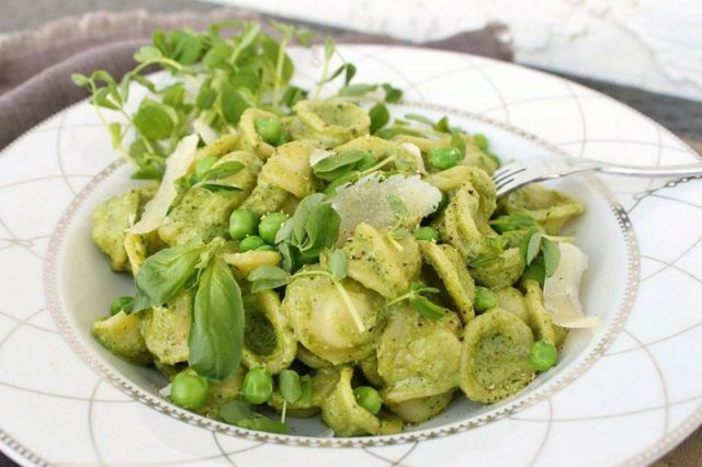 Pea Orecchiette Pesto Pasta | Dish 'n' the Kitchen