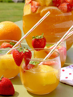 Fruity Summer Punch | Sneaky Mommies