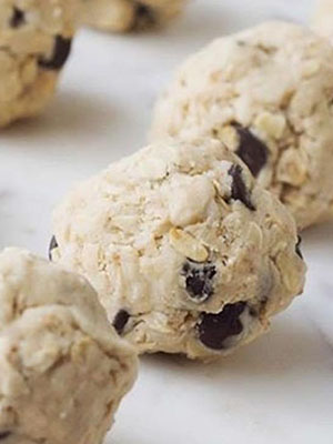 Oatmeal Chocolate Chip Cookies | Krista Ettles