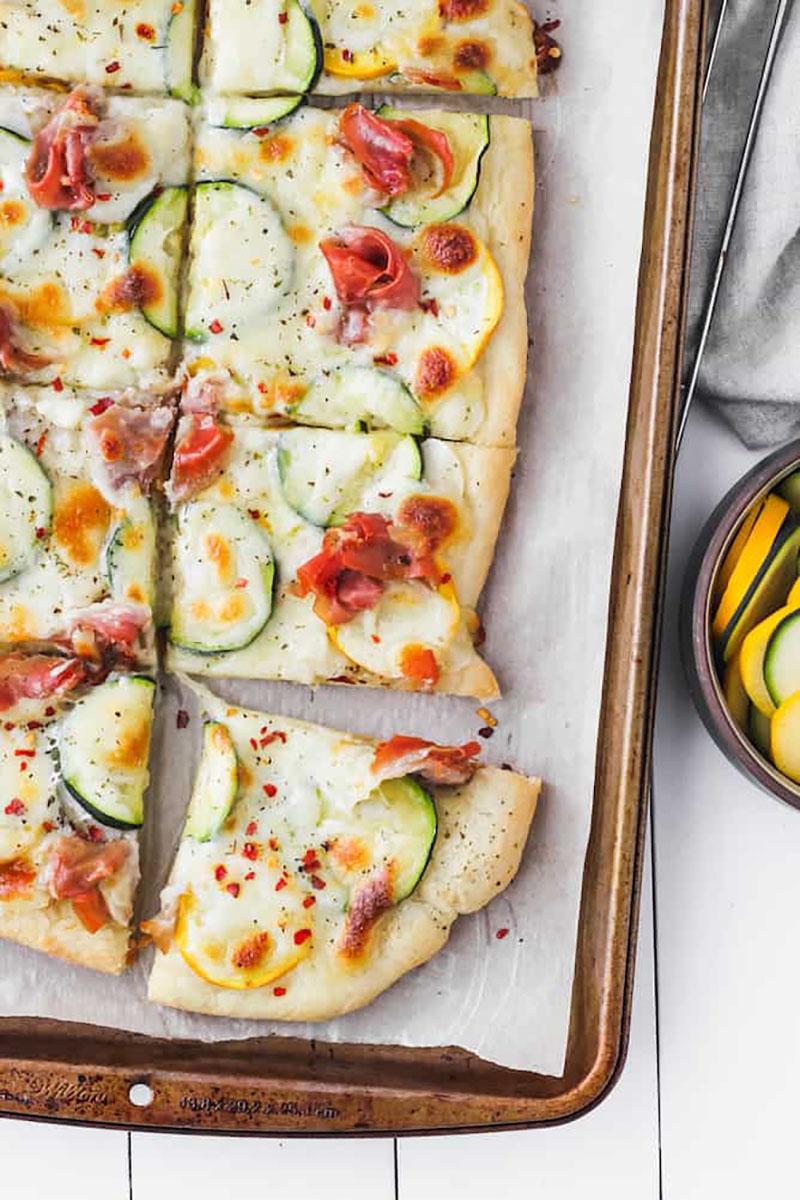 Zucchini and Prosciutto Pizza