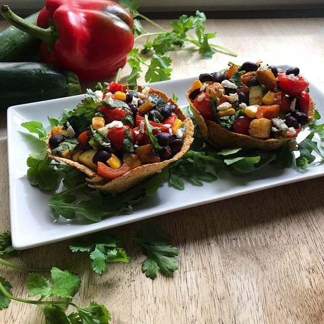 Bols de Tortillas aux Haricots Noirs à la Mexicaine | Michele Rousseau Dt.P